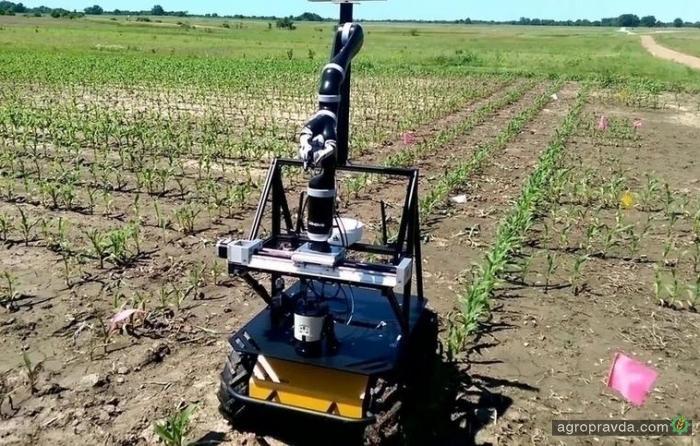 Робот защитит посевы от глобального потепления. Видео
